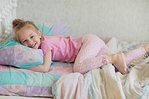 Consigli per genitori con bambini che fanno la pip a letto - Cane pipi letto ...
